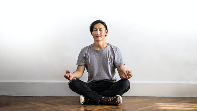 extreme dopamine fasting - meditating